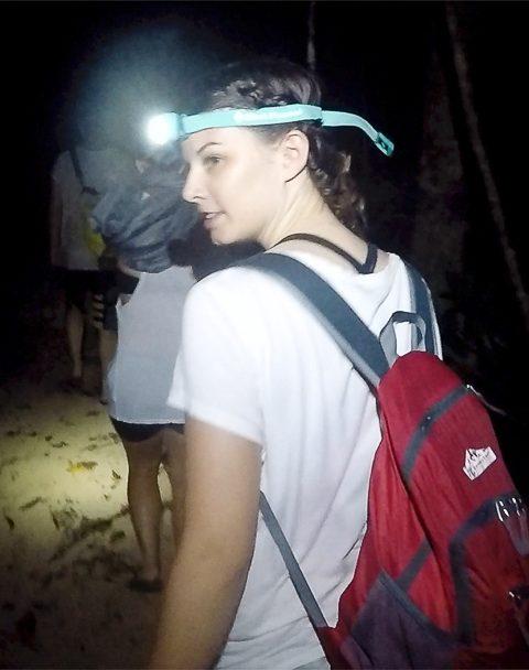 Dschungelwalk in der Nacht